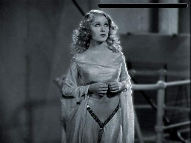 Fay Wray as Anne Darrow