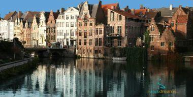 Городская река