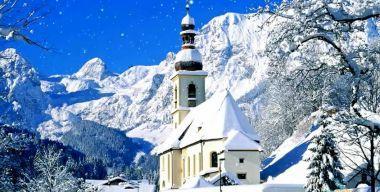 Церковь в снегу