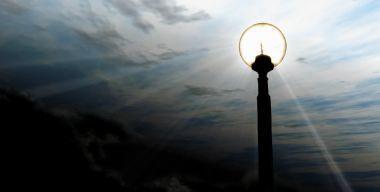 Яркий свет