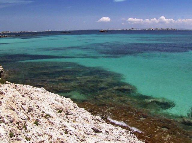 Вид на море с острова Корсика