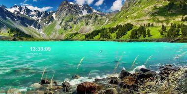 Бирюзовое горное озеро